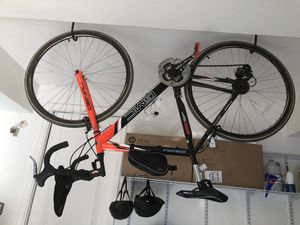 GMC Denali road bike for sale $150 cash about 4 years old but not ridden much need room for my new bike for Sale in Redwood City, CA