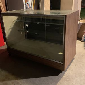 Display Case for Sale in Downey, CA