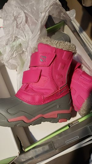 Kids snow boots size 13 for Sale in Garden Grove, CA