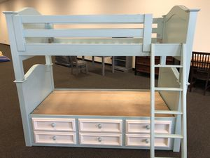 TWIN/TWIN BUNK BED WITH DRAWERS for Sale in Laguna Beach, CA