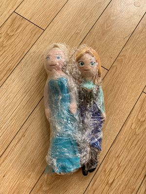 Anna and elsa doll from Disney for Sale in Las Vegas, NV
