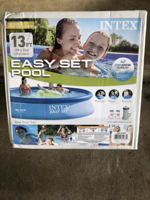 Intex 13ft x 33in Easy Set Pool with Pump & Filter for Sale in Garland, TX