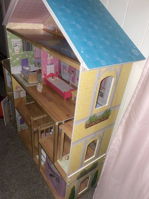 Huge doll house set for Sale in Liberty, MO
