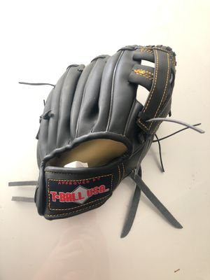 Kits baseball glove for Sale in Upland, CA