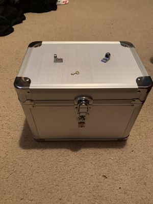 Silver metal lock box safe with black velvet inside comes with mini lock and key for Sale in Syosset, NY