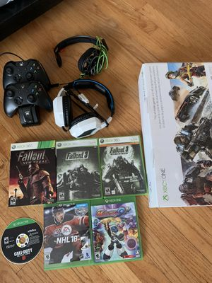 Xbox one for Sale in Brooklyn, OH