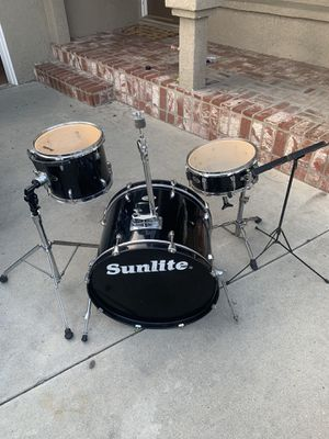 Squier by fender drum set for Sale in Pomona, CA