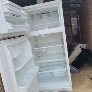 Great Working Kenmore Fridgr for Sale in Springfield, PA