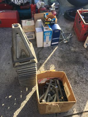 Stabilizing trailer jacks for Sale in Portland, OR