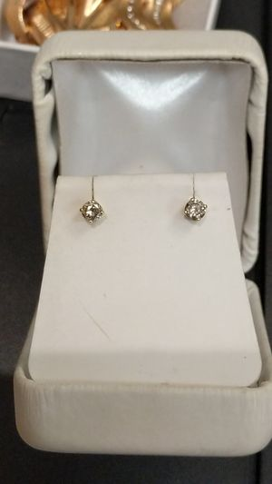 14k Diamond Earrings nice!!! for Sale in Paeonian Springs, VA