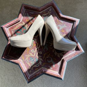 """5"""" HEELS - SIZE 7 for Sale in Chula Vista, CA"""