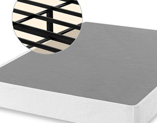 ZINUS 9 Inch Smart Metal Box Spring / Mattress Foundation / Strong Metal Frame / Easy Assembly, King for Sale in Cleveland,  OH