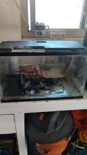 Fish tank with filter and heater and LED light for Sale in Calimesa, CA
