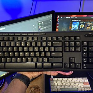 Logitech K270 Wireless Keyboard for Sale in Orange, CA