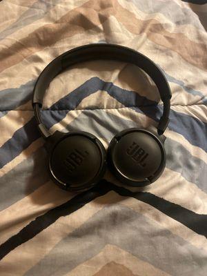 Jbl Bluetooth headphones for Sale in Gibsonton, FL