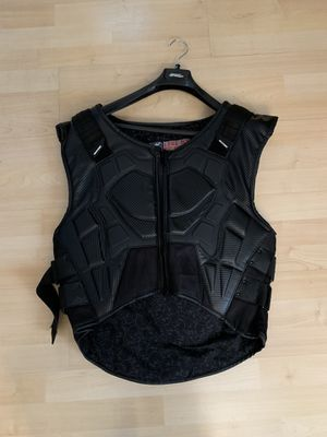 New men's speed and strength padded motorcycle vest for Sale in Euclid, OH