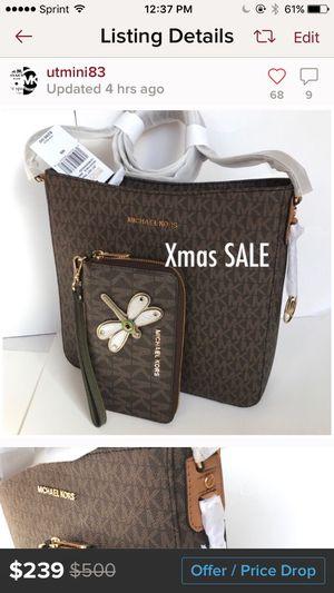 Michael kors crossbody messenger bag and wallet set for Sale in Thornton, CO