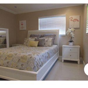 Bedroom Set White for Sale in Hollywood, FL