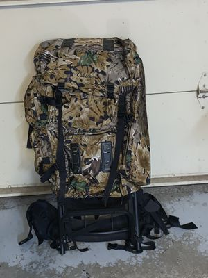 Backpack-Camo with frame for Sale in Painesville, OH