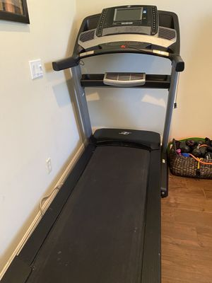 NordickTrack Commercial 2450 Treadmill for Sale in Port St. Lucie, FL