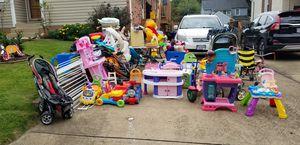 Yard sale for Sale in Falls Church, VA