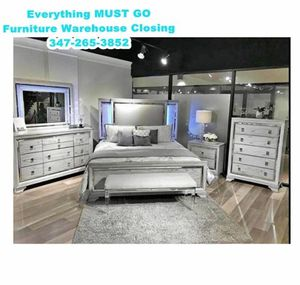 B nubbb brown bedroom set. Must Go for Sale in Queens, NY