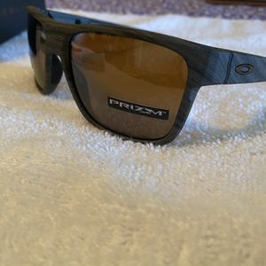 CrossRange Oakley Sunglasses Prizm Polarized for Sale in Glendora, CA