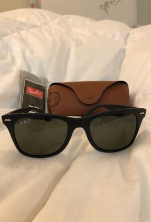 Brand new Ray Ban WAYFARER LITEFORCE sunglasses for Sale in Pittsburgh, PA