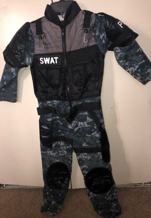 Halloween costumes size 5 for Sale in Everett, WA