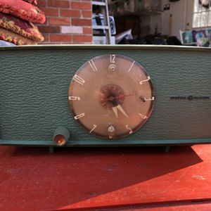 Antique GE Clock for Sale in Phoenix, MD