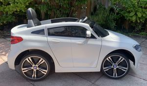 Power wheels, ride on toy, kids electric car BMW 6GT 12V for Sale in Hallandale Beach, FL