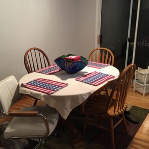 Dinning room/breakfast room table/With chairs for Sale in Carol Stream, IL