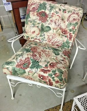 "Vintage Metal Outdoor Furniture Chair with Cushions 28.5""h x 22""w x 22""d x 13.5""h Great Condition! for Sale in Villanova, PA"