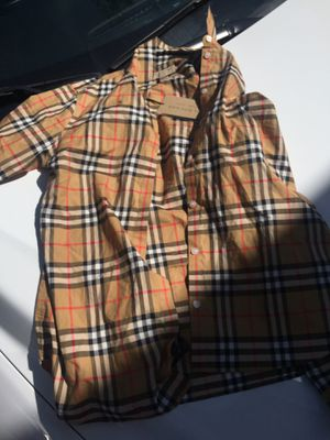Burberry kids size 4,6 for Sale in Tampa, FL