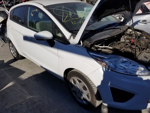 Parting out 13 Ford fiesta SE 1.6L auto