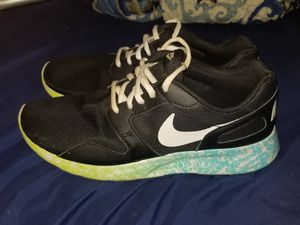 Nike women's shoes for Sale in Evansville, IN