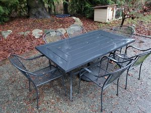 Steel patio table and chairs set for Sale in Monroe, WA