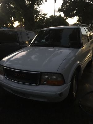 1999 GMC Jimmy ( for parts ) for Sale in Chino Hills, CA