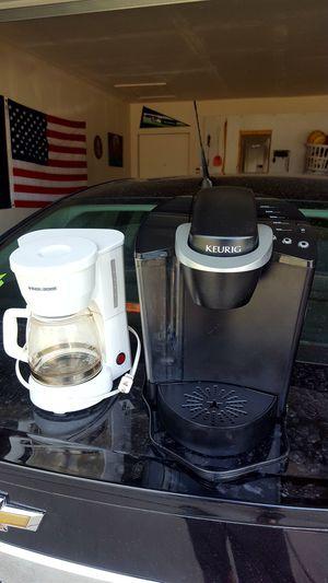 Keurig single serve & Black and Decker coffee pots for Sale in Killeen, TX