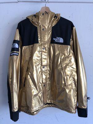 Supreme x The North Face Metallic Mountain Parka Gold Size M for Sale in Chula Vista, CA