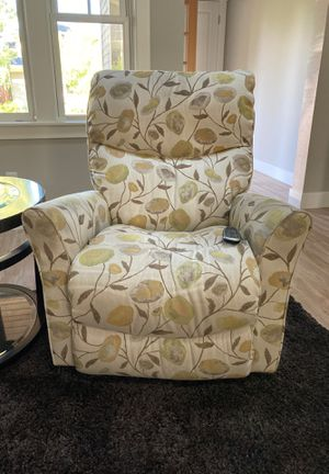 LaZBoy electric recliner chair for Sale in Bend, OR