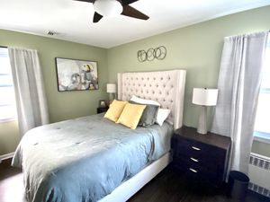"""Tufted Bedframe Tall Headboard 68"""" Queen Size for Sale in Kenilworth, NJ"""