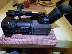 PANASONIC 3CCD LEICA DICOMAR MOD. AG-DVX100AP (No battery no charger, no power cord) for Sale in Napa, CA