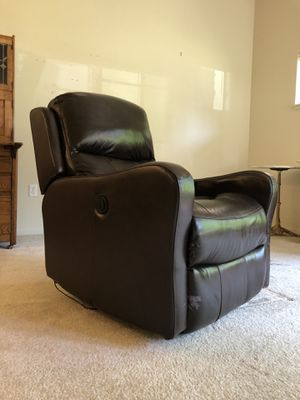 Leather, Electric Recliner for Sale in Redmond, WA