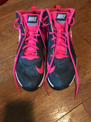 Nike size 6 women's Basketball shoes for Sale in Shaker Heights, OH