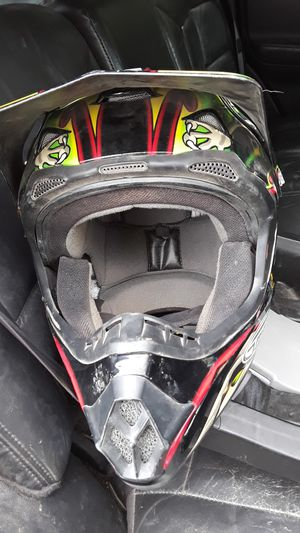 Gmax dirt bike helmet yfdeaign 46x for Sale in Montrose, CO