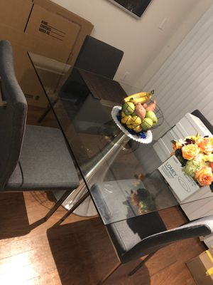 Small Dining Table / Breakfast Table for Sale in Houston, TX