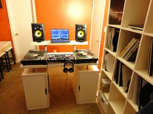 Solo $20 si quieres los programas del dj i el de bajar videos i mp3 musica de youtube for Sale in Chicago, IL