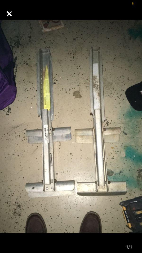 Ladder jack set