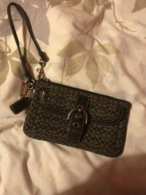 Coach wristlet make an offer for Sale in Round Rock, TX